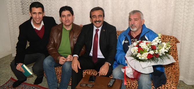 Başkan Çetin'den efsanelere vefa