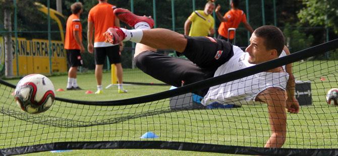 Adanaspor ayak tenisi oynadı