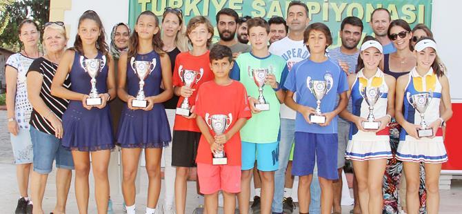 Teniste 12 yaş şampiyonları belli oldu